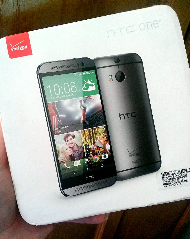 HTC One M8 box