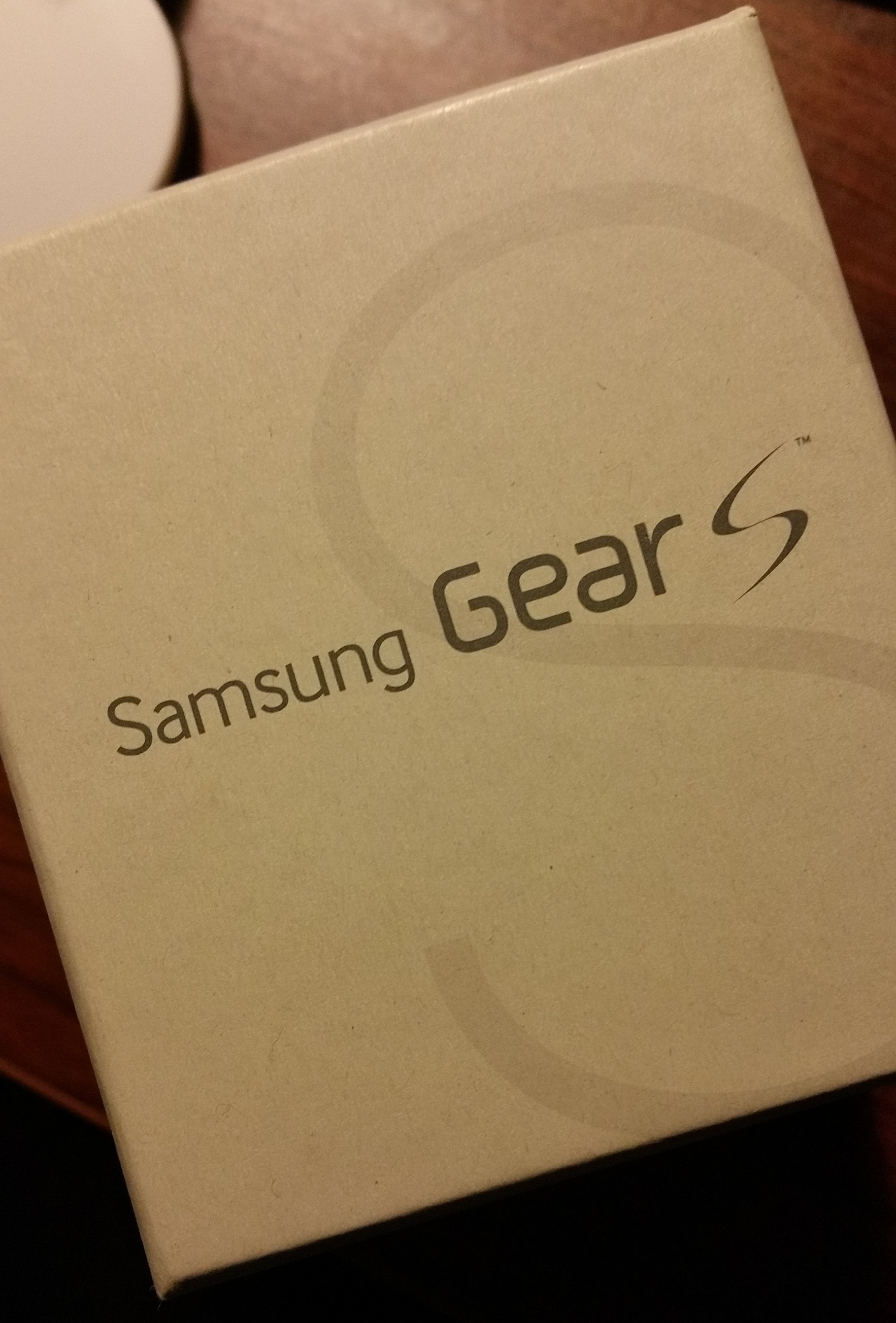 Traveling With A Very Smart Watch and Power; Samsung Galaxy Gear S and Mophie Powerstation